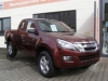D-MAX SpaceCab in Farbe Garnet Red