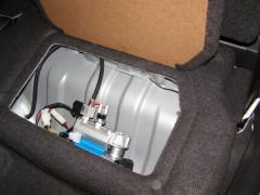 ARB-Kompressor Kompakt für Druckluftversorgung der Sperre Einbau in Staufach Rücksitz D-MAX SpaceCab