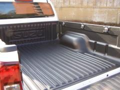 D-MAX WorkTruck - Ladewanne Kunststoff overrail mit Verzurrhaken